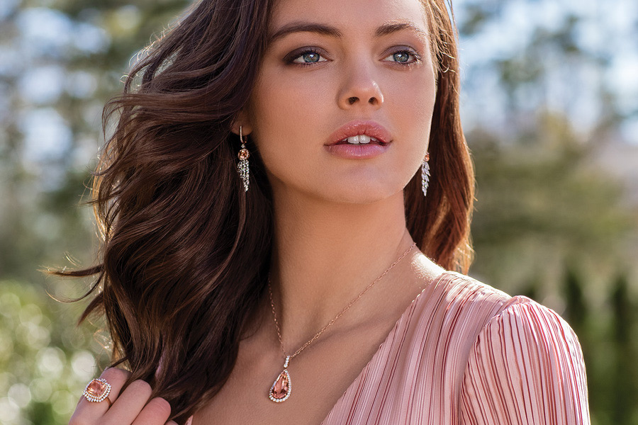 Robann's Jewelers is one of the warmest family owned and operated places to buy your jewelry on El Paseo in Palm Desert